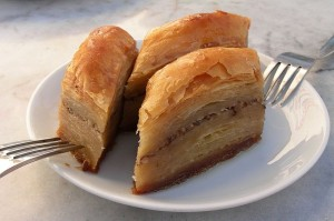 800px-Baklava_-_Turkish_special,_80-ply